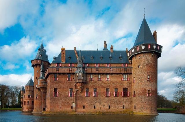 castle-de-haar-1904287_1920.jpg